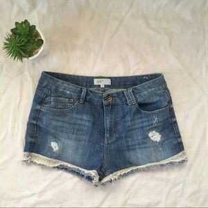 Jolt jean shorts women's size 13 with lace hem